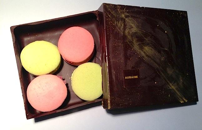 Aubaine Macarons Box